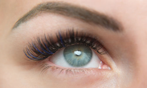 Farvet og glitter lashes